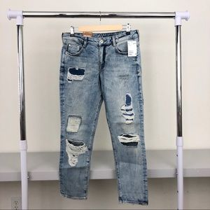 NWT H&M Girlfriend Fit Distressed Ankle Jeans